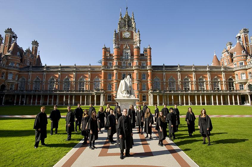 universidad UK y alumnos