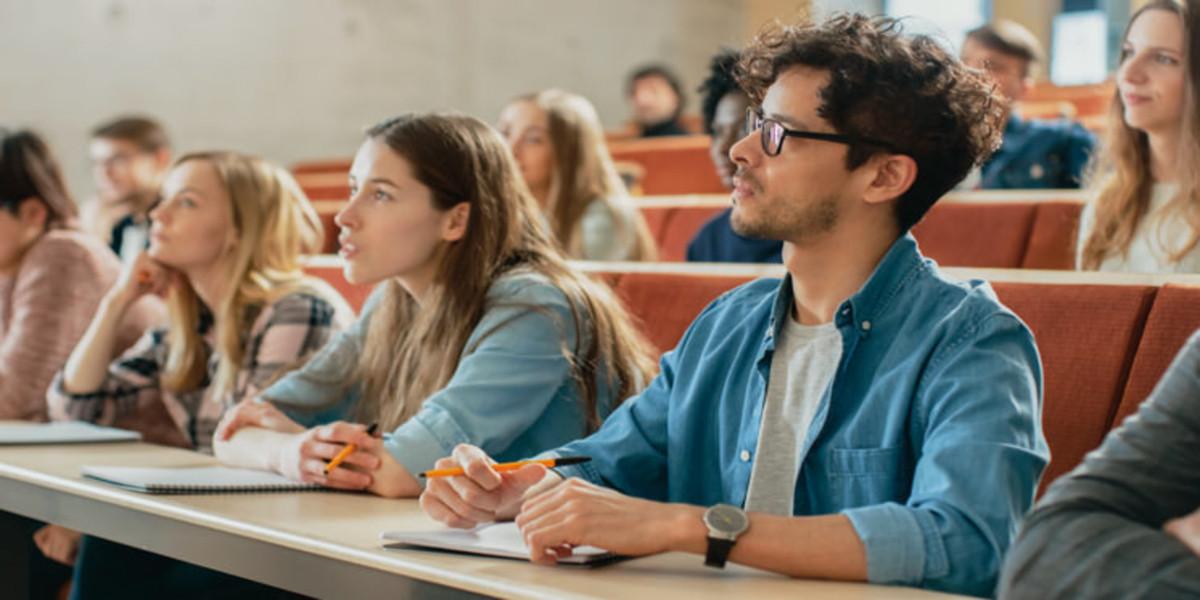 Que master estudiar Presencial, online o a distancia