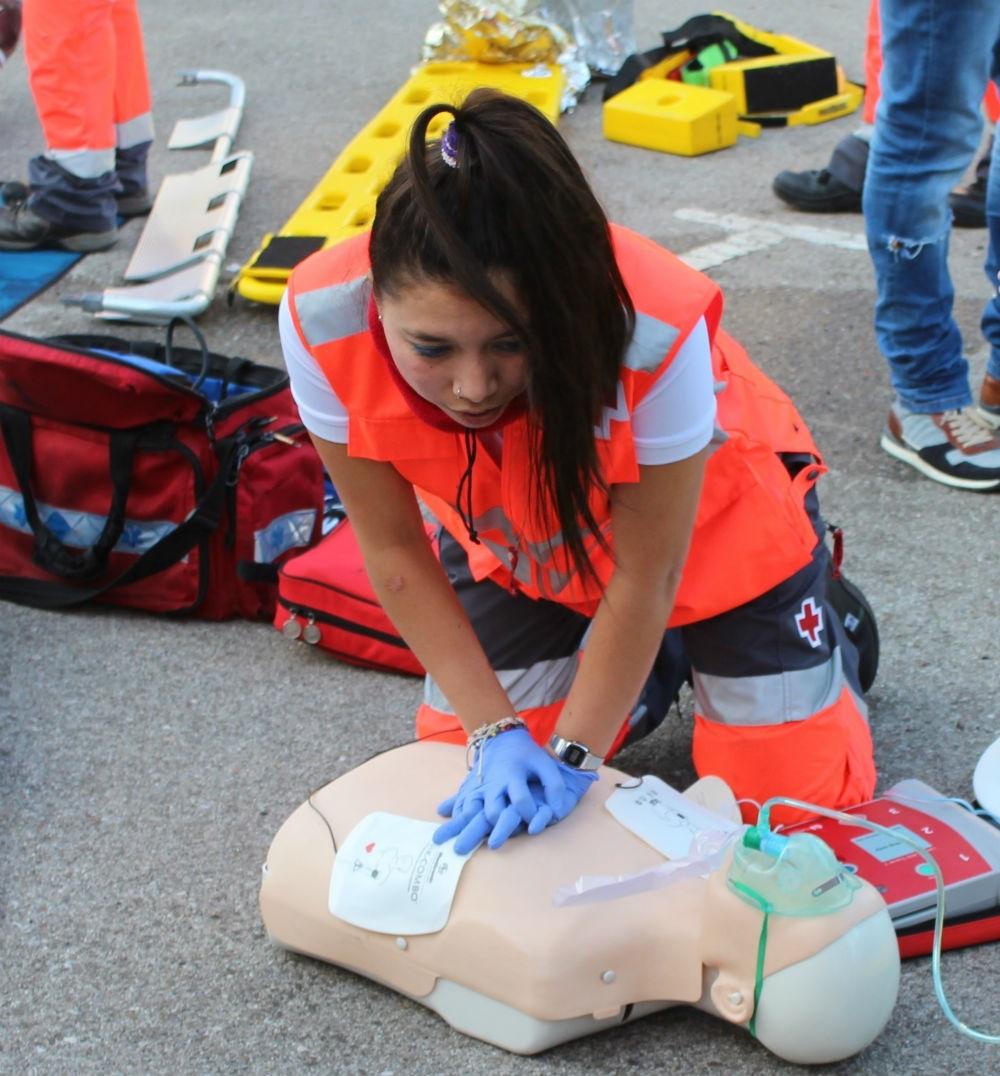 ¿Cuáles son las funciones de un Técnico en Emergencias Sanitarias?