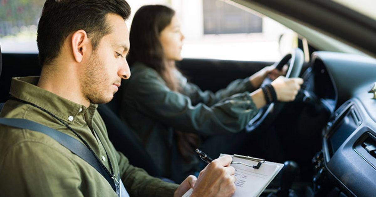 cómo ser examinador de tráfico