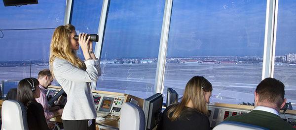 Cómo ser controlador aéreo Requisitos y sueldo