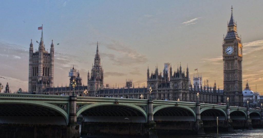 Becas para estudiar en Reino Unido