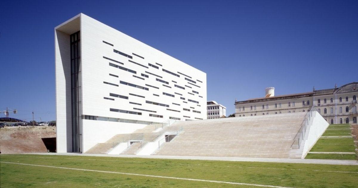 Universidad NOVA de Lisboa