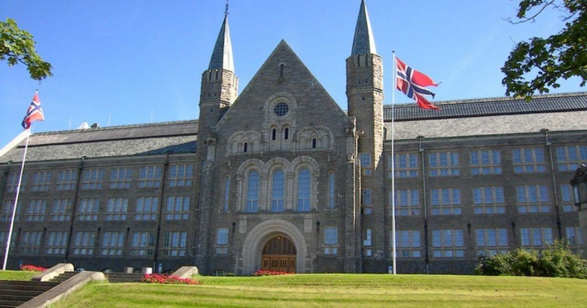 Universidad Noruega de Ciencia y Tecnología