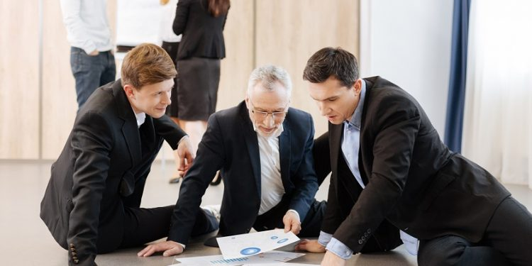 Cómo destacar en una entrevista de trabajo grupal