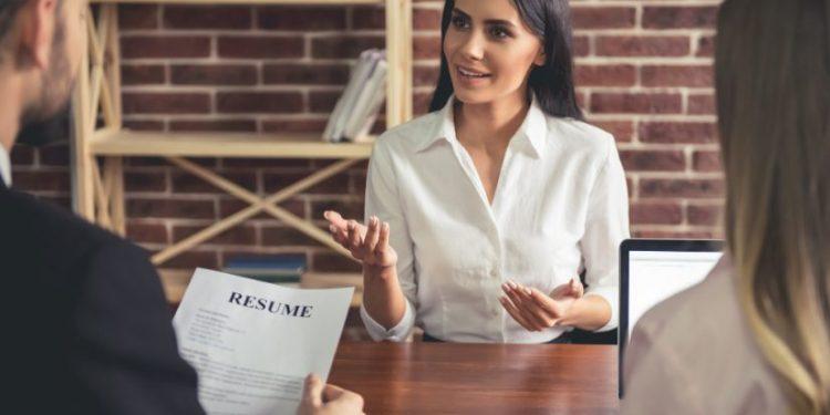 Cómo un empleado puede añadir valor a la empresa