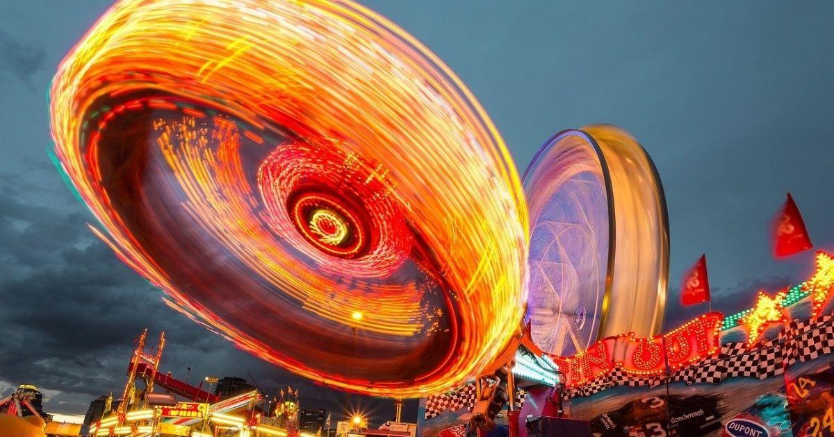 Qué son y en qué se diferencian los parques de atracciones de los parques temáticos